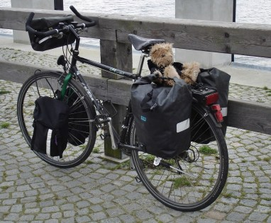 Und falls du mal ein richtiges Fahrrad brauchst - hier eines mit (blindem) Passagier
