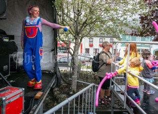 020819 Giggles the clown at the Scariff harbour festival on Sunday.pic Arthur Ellis.