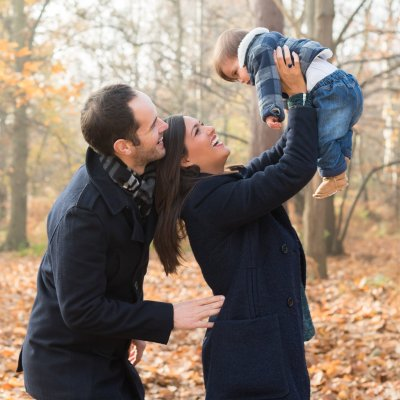 What's The Best Time Of Year For Outdoor Family Pictures in London & Surrey?