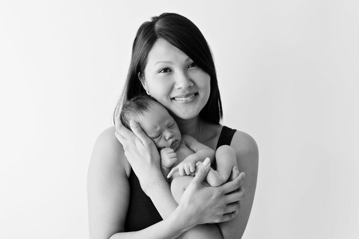 When to book newborn baby photos