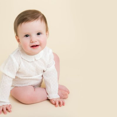 how to find an affordable baby photographer