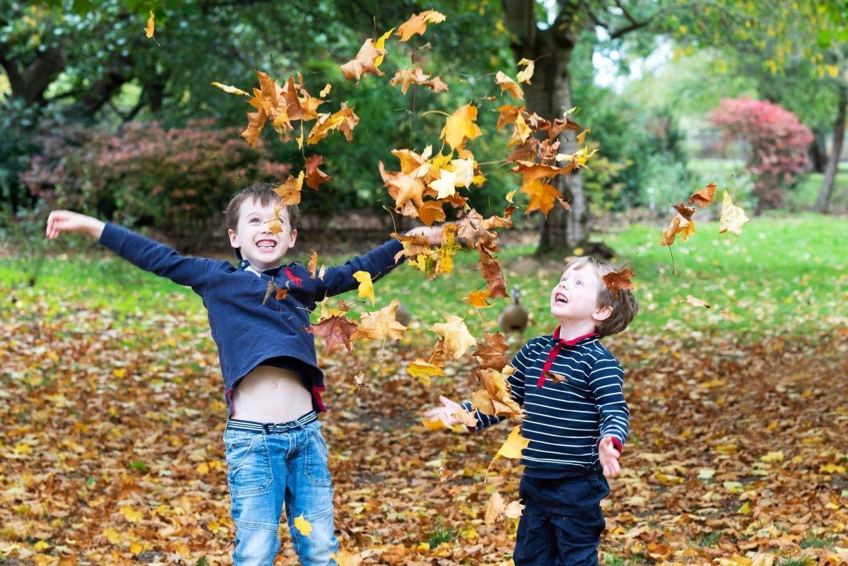 Autumn family photo shoots near Esher