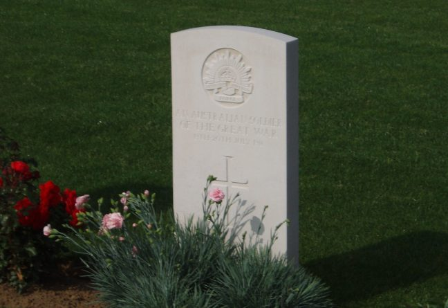 Grave of an unknown Australian at Fromelles