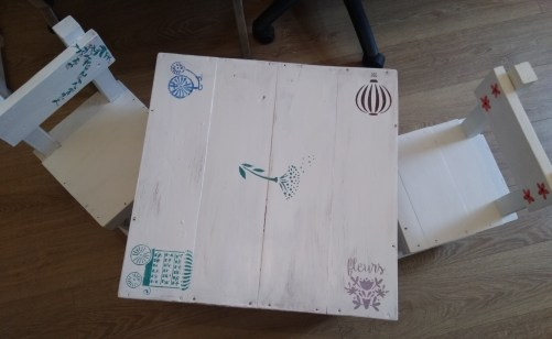 Children's Table & Chairs €50.00