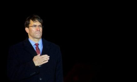 Esper as Pentagon Chief Would Usher In Army Team at White House