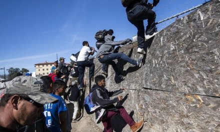 Congressional watchdogs say 'hundreds' of criminal migrants headed to US in caravans