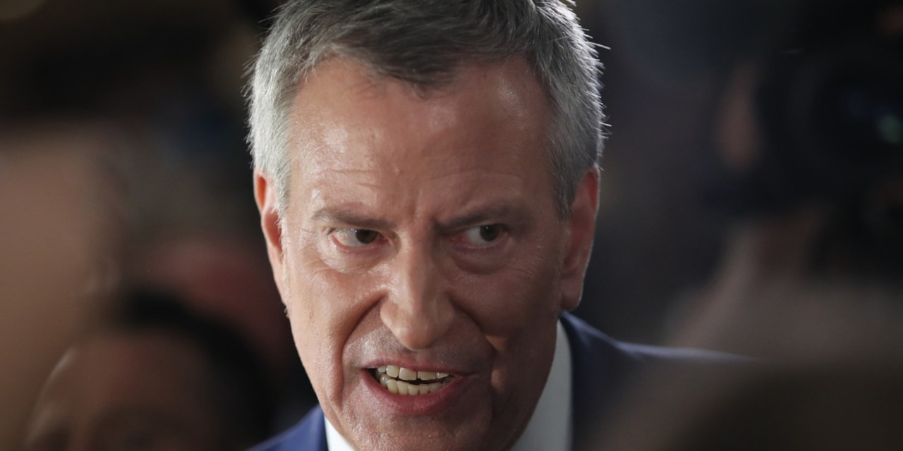 Police union blames officer deaths on Bill de Blasio's 'false narratives' about race and police shootings