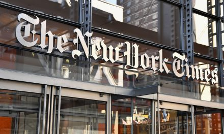 Sarah Palin Seek NYT Advertising Revenue As Libel Lawsuit Heads Toward Trial