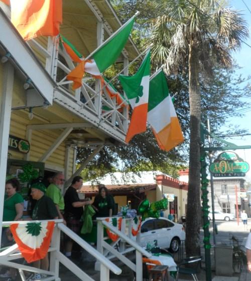 Irish pub meeting