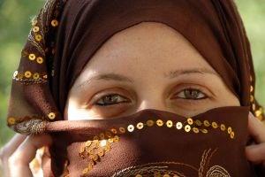 Saudi girls follow hijab of modestly