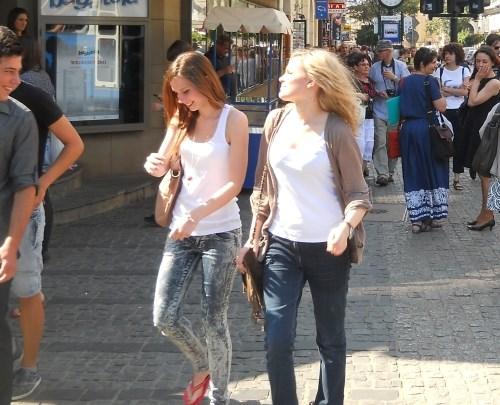 Krakow clubs to meet girls