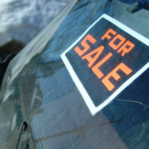 Repossessed or government cars on dealer lots may be bogus