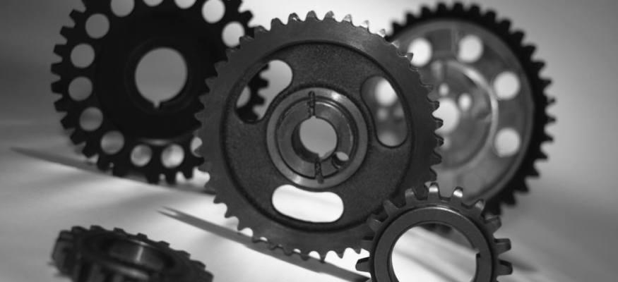 Seasonal work, high-tech manufacturing boost job outlook