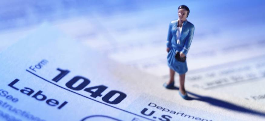Leading tax prep companies offer free smart phone tax filing