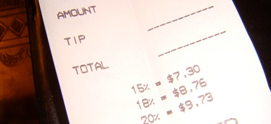 How much should you tip when dining out?