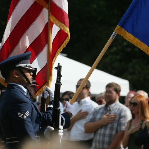 6 affordable ways to honor a veteran