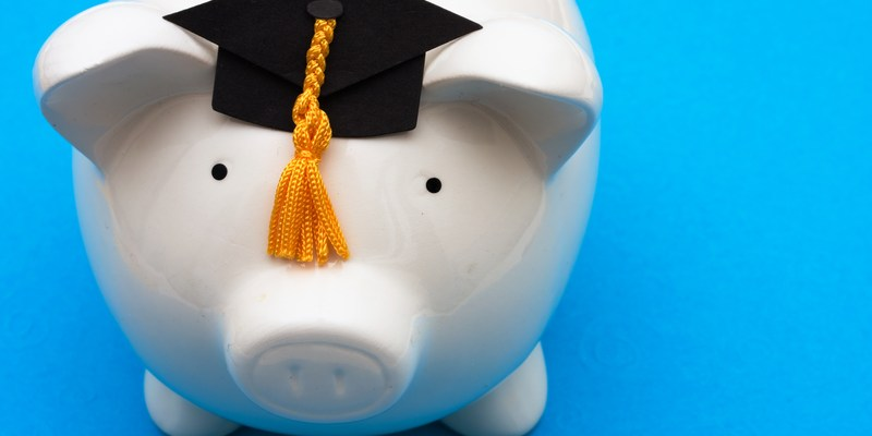 4 Tips for Finding College Scholarships