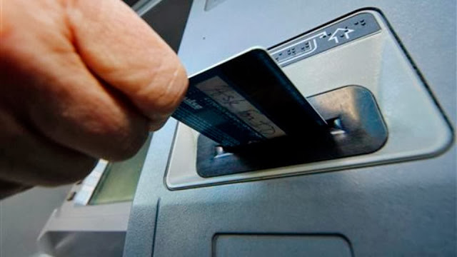 Banks use smartphones to foil ATM skimmers