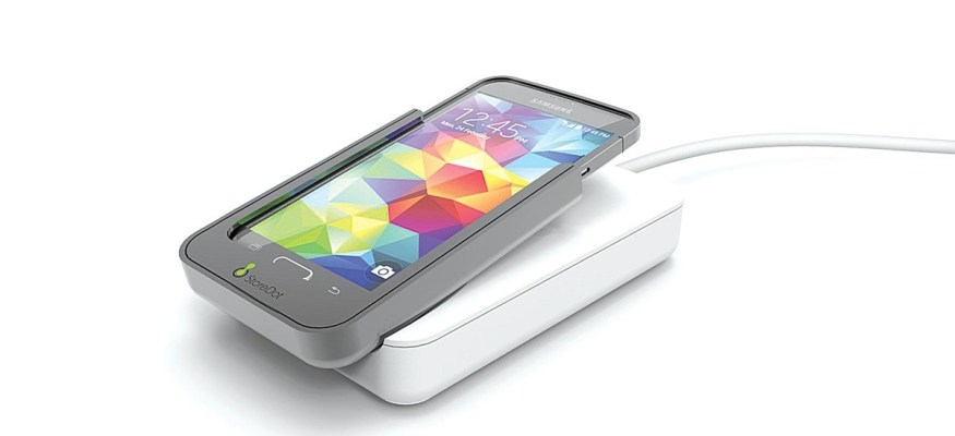 This cellphone battery recharges in just 1 minute!