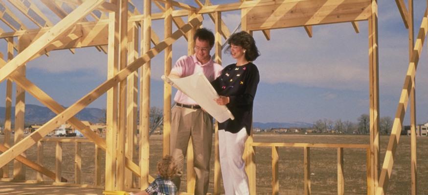 No mortgage, no bills: Living off the grid