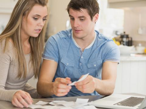 How to handle finances when living together unmarried
