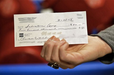 Couple leaves half-million-dollar check in Salvation Army kettle
