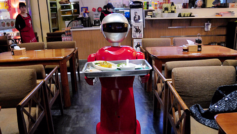 Carl's Jr. CEO wants to employ robots instead of humans