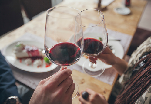 How to find the best deals on wine for National Wine Day!
