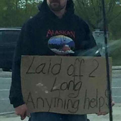 Woman pays struggling man's bills, then he gets an incredible opportunity