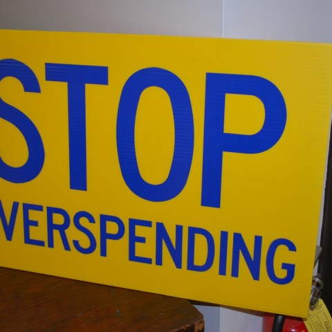 9 money-saving tips to help you avoid overspending