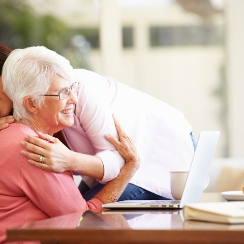 Checklist: What to discuss with aging parents about finances
