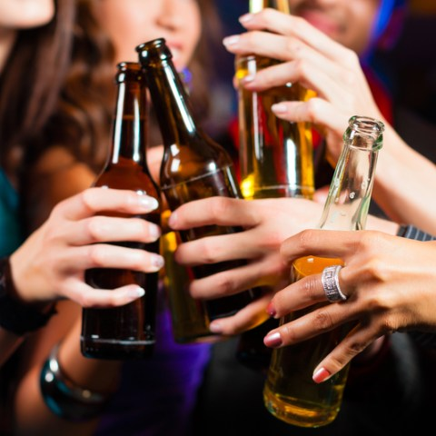 Survey: 25% of college students spend most of their money on alcohol, drugs