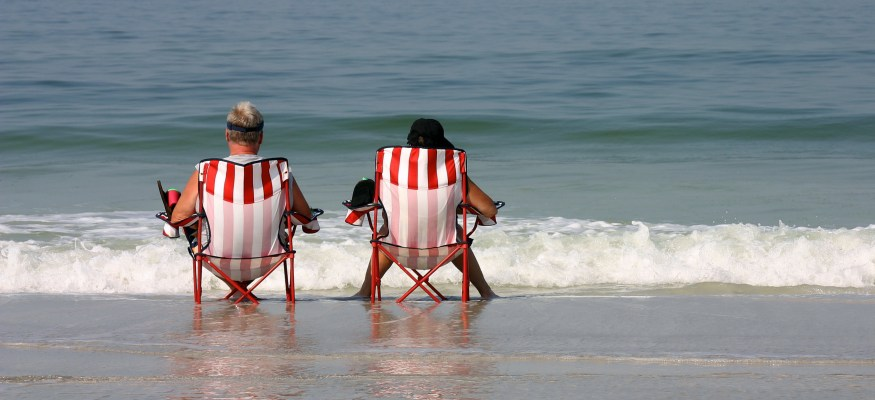 Headed to the Gulf Coast? Check for beach advisories about dangerous bacteria first