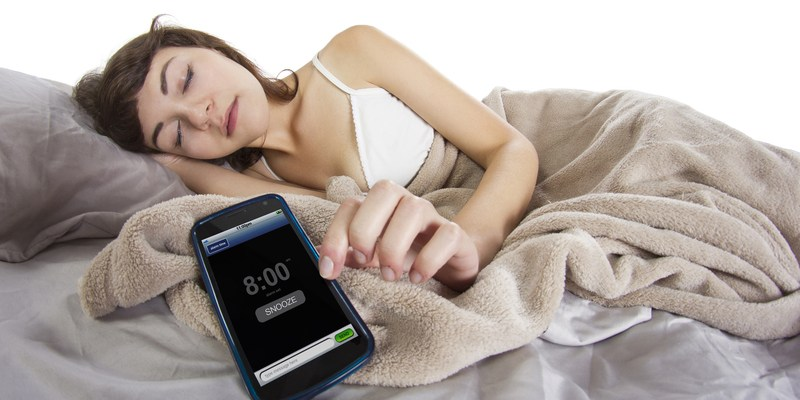 Here's why you can't stop hitting the snooze button