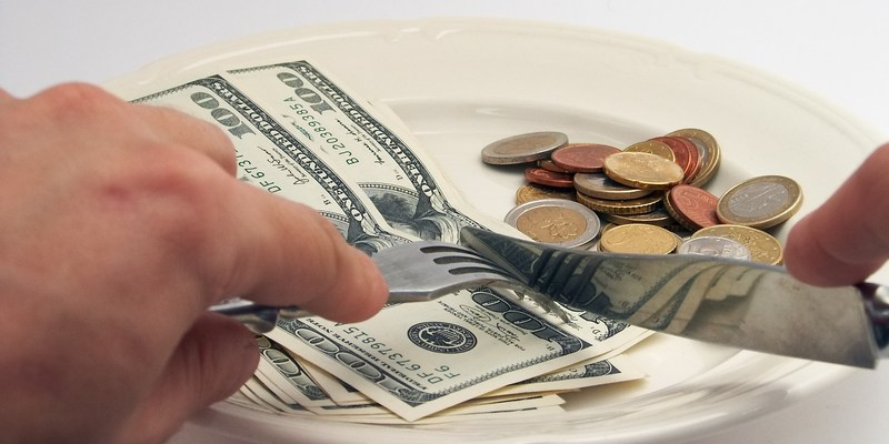 How to save money at America's 8 favorite restaurants