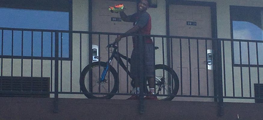 A homeless teen who biked to college now has $180K, thanks to strangers