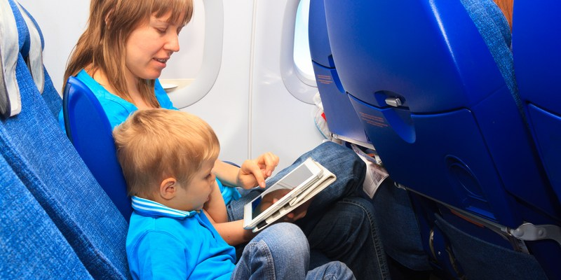 New bill seeks to have families sit together on airplanes