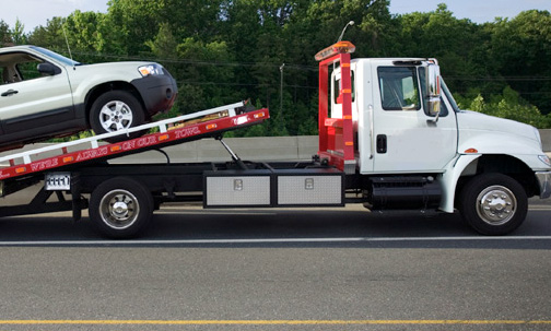 Bandit towing scams: The danger waiting on the side of the road!