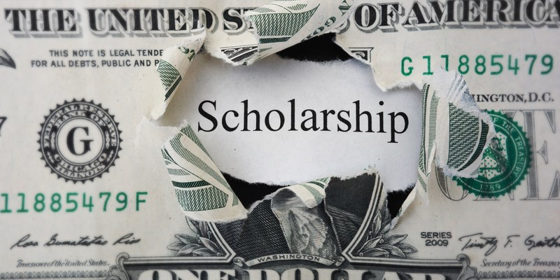 12 best ways to find a college scholarship