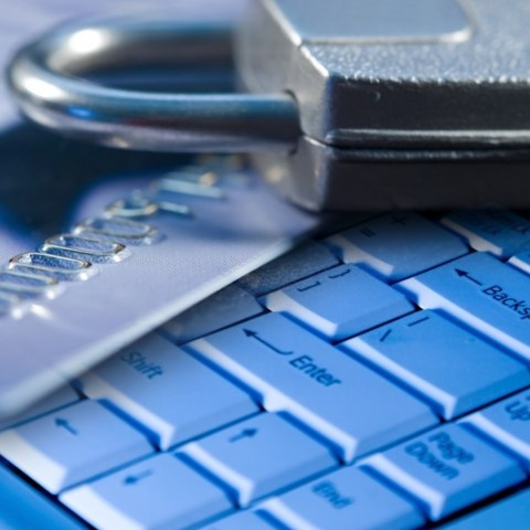 3 things that increase your risk of being a fraud victim