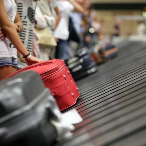 New airline regulations will require refunds for delayed luggage
