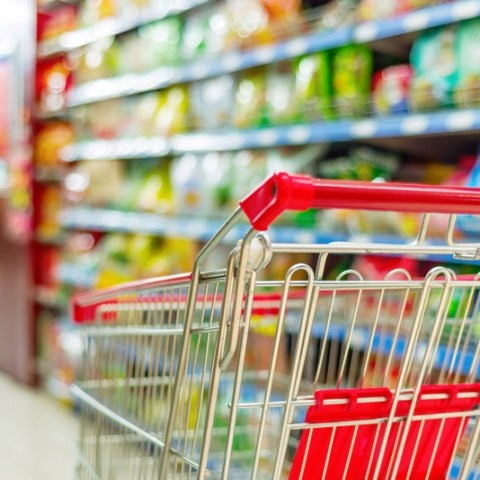 Which grocery stores are open on Thanksgiving?
