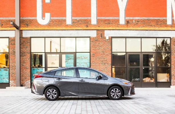 Car review: Plug in a Prius Prime and save money!