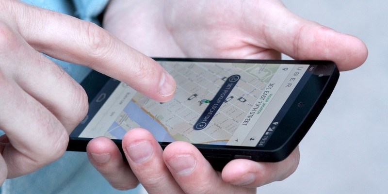 Flying for the holidays? Your credit card could get you a free Uber ride home