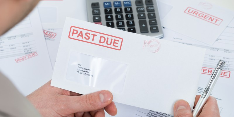 How to Minimize the Damage of Unpaid Bills to Your Credit Score