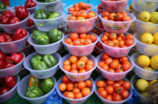 Risks of smoking-related lung disease lowered by fruits, veggies, study says