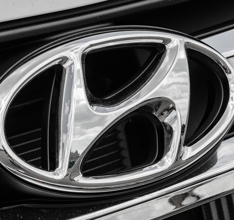 Nearly 1 million Hyundais recalled for seat belt problems
