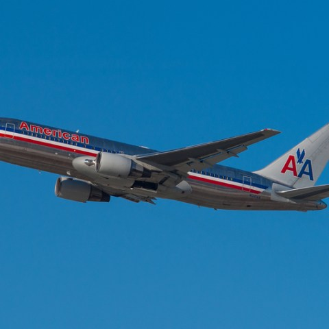 American Air is bringing back free meals in economy!