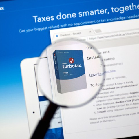 IRS warns of phishing emails supposedly from your tax software provider