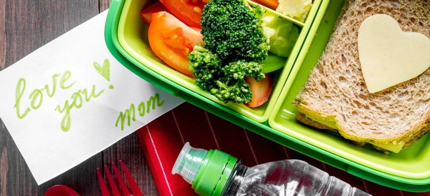 4 simple rules for healthy, budget-friendly lunches your kids will love